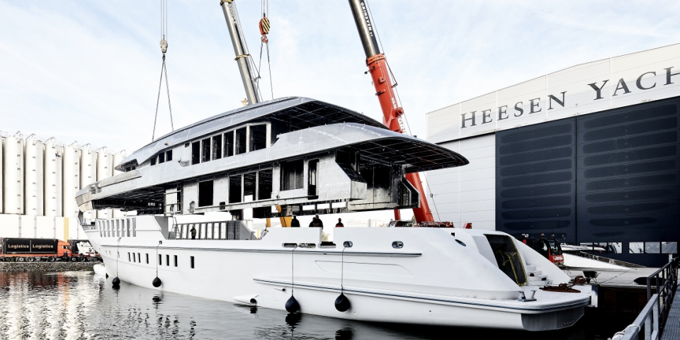 heesen hull elite living africa